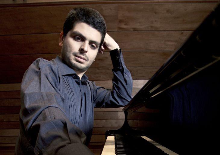 Kristhyan Benítez estrena Grand Piano Bösendorfer dedicado a El Sistema