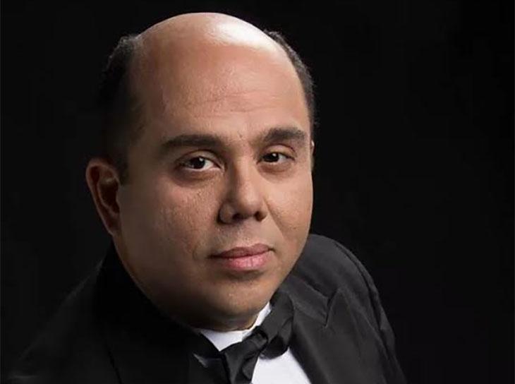 Víctor Hugo Cárdenas dirige a la Orquesta Sinfónica de Falcón