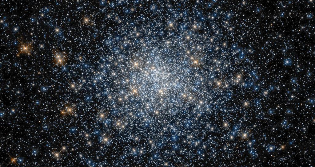 Cada galaxia orquesta su propia música en el espacio y sin caos