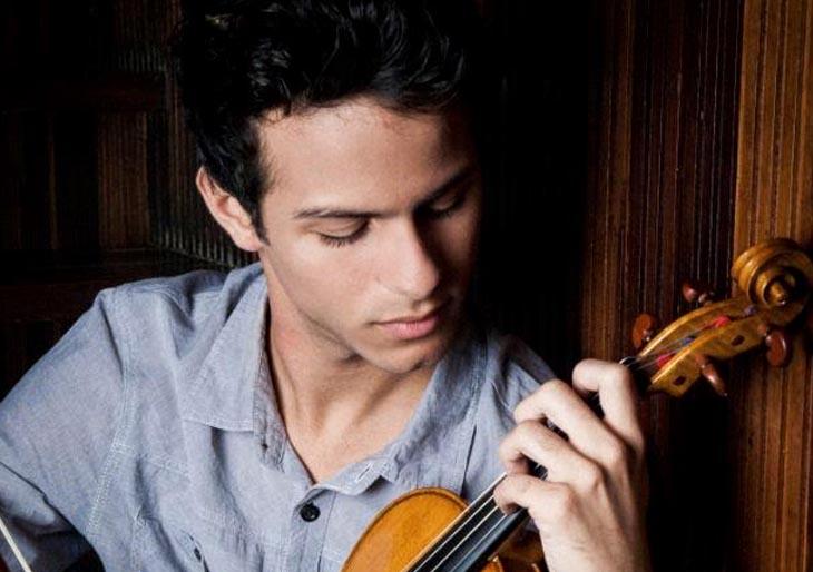 Enmanuel Maestre y la orquesta sinfónica de Maracaibo