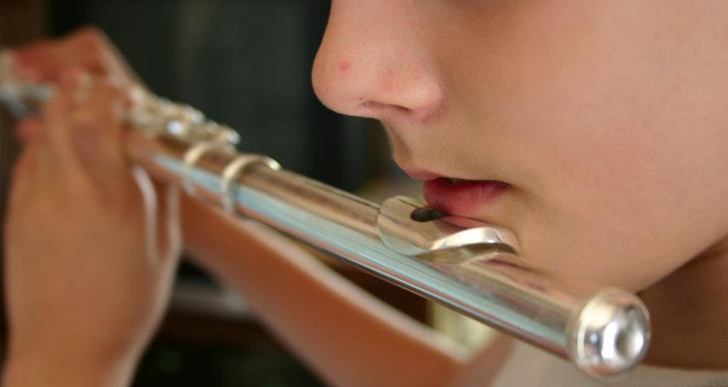 Estudiar música ayuda a los más pequeños a desarrollar sus capacidades intelectuales, sociales y personales mientras se divierten. Imagen: scx.hu