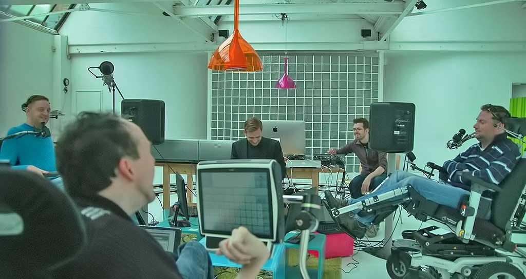 Mindtunes, un proyecto británico en el que tres discapacitados se unen a DJ Fresh, uno de los grandes nombres de la música electrónica, para poner banda sonora a las emociones.