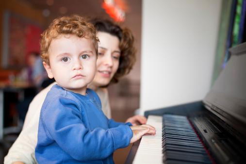 kid-piano-1381852206