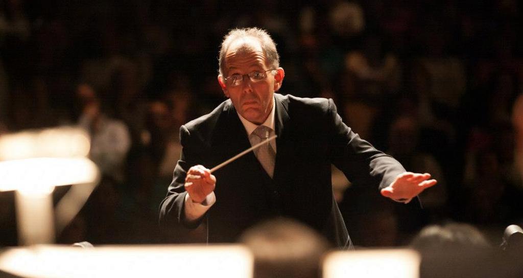 El maestro Rodolfo Saglimbeni inicia la Temporada 2015 de la Sinfónica de la UNCuyo