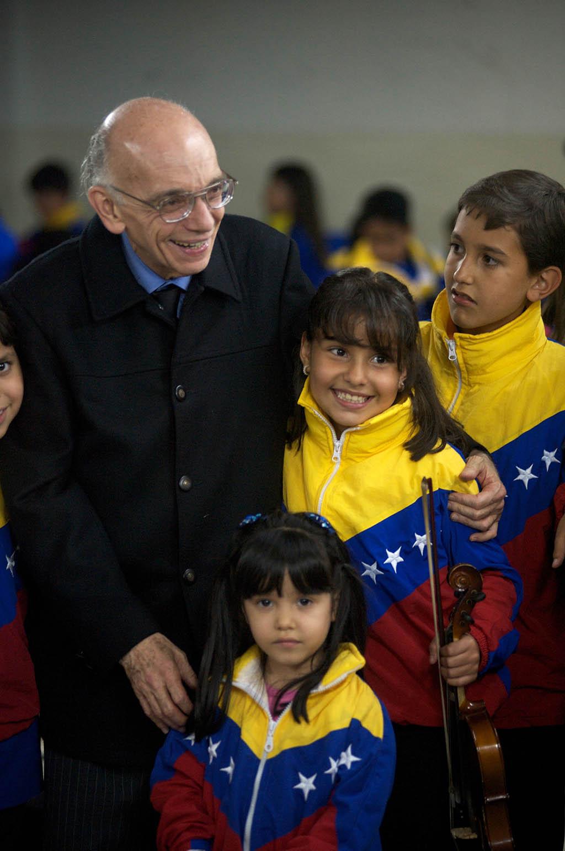 El maestro Abreu ubicado entre los 50 líderes más grandes del mundo