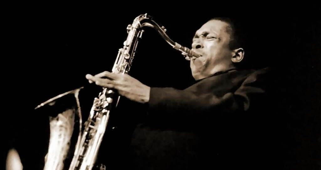 Donan al Smithsonian saxofón de John Coltrane y fotos no publicadas