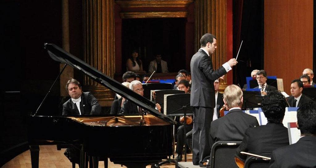 La Orquesta Filarmónica de Jalisco logra éxito con talento ruso y venezolano