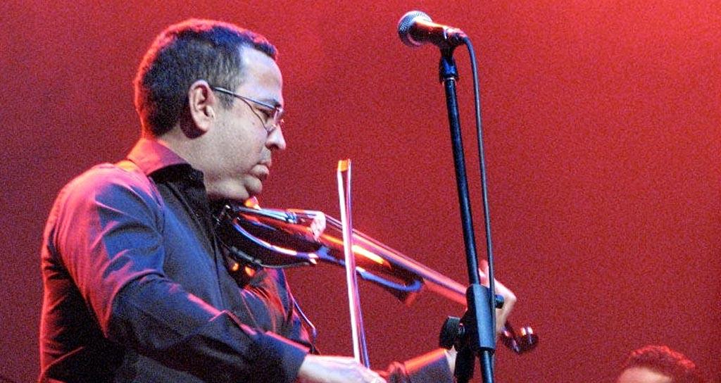 Eddy Marcano junto a la Orquesta Sinfónica de Lara
