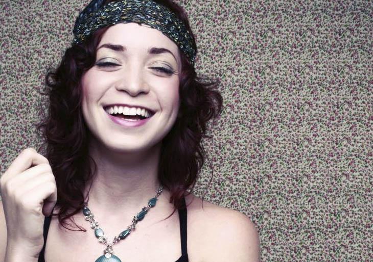 """Laura Guevara """"En Vivo"""" la cantautora presentará su nueva propuesta este 30 de abril en Noches de Guataca"""