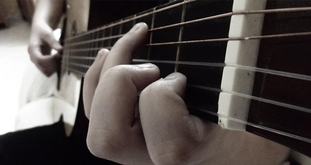 ¿Por qué hay tanta tendinitis en guitarristas?