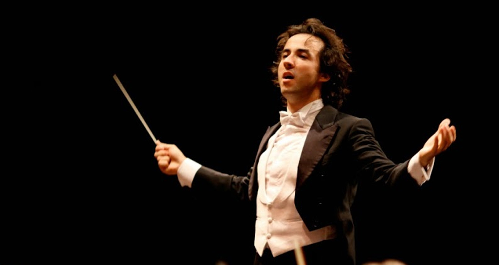 La Sinfónica Francisco de Miranda sorprende a un director español