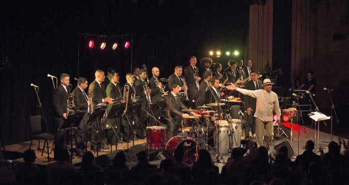 Orquesta Latinocaribeña Simón Bolívar, dirigida por Alberto Vergara