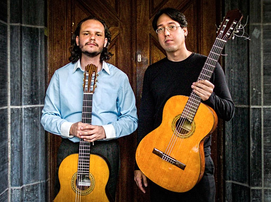 Los guitarristas Juan Manuel Hernández y Maykel Companioni