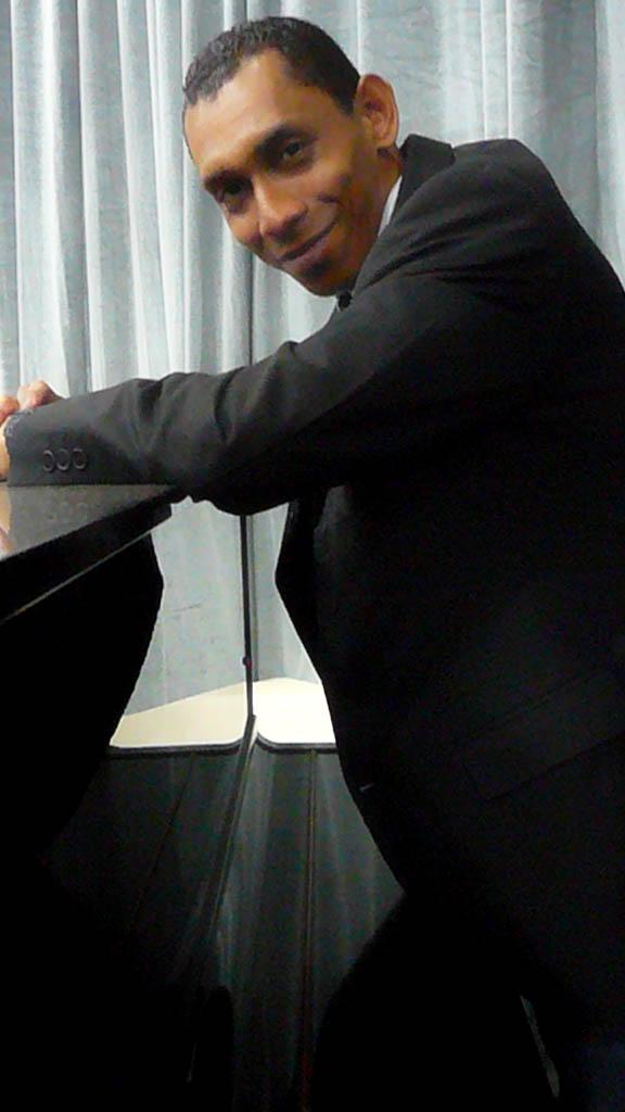 El profesor Régulo Medina estará a cargo de la dirección de este concierto con la Orquesta Sinfónica de Falcón.