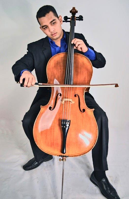 El violoncellista falconiano Salvador Maiolino, participará como solista invitado junto a la Orquesta Sinfónica Juvenil de Falcón.