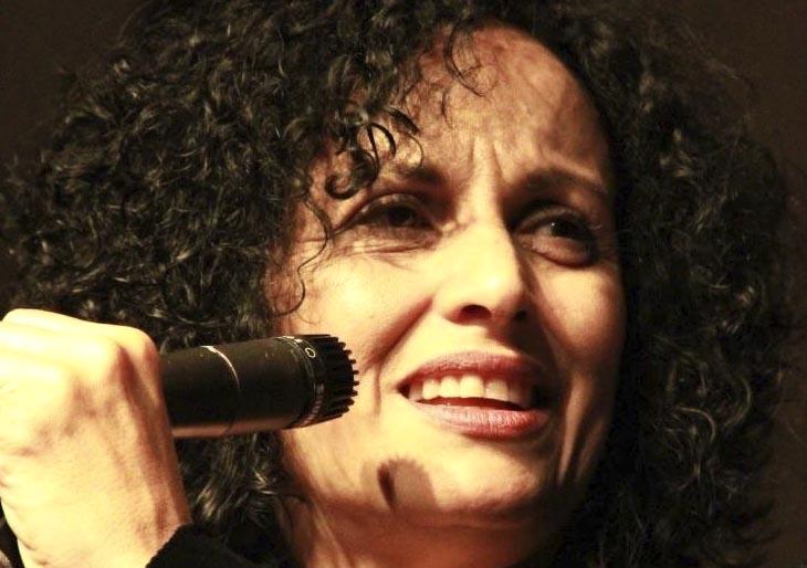 Biella Da Costa canta para celebrar los 83 años del Ateneo