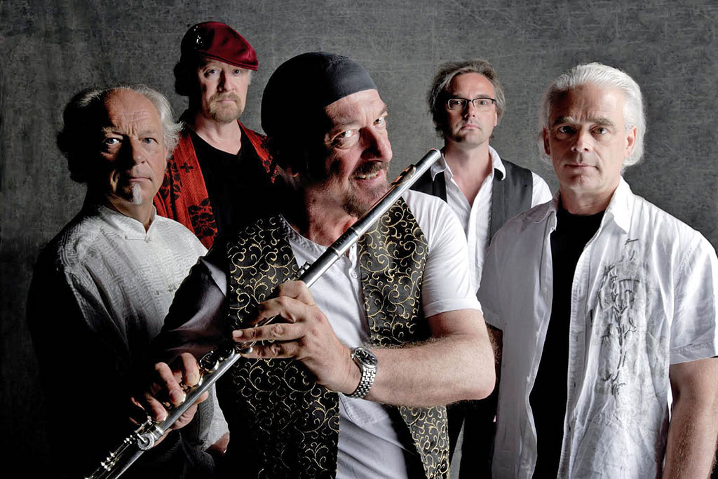 Jethro Tull repasa sus 50 años de carrera musical en el Festival Jardins de Pedralbes
