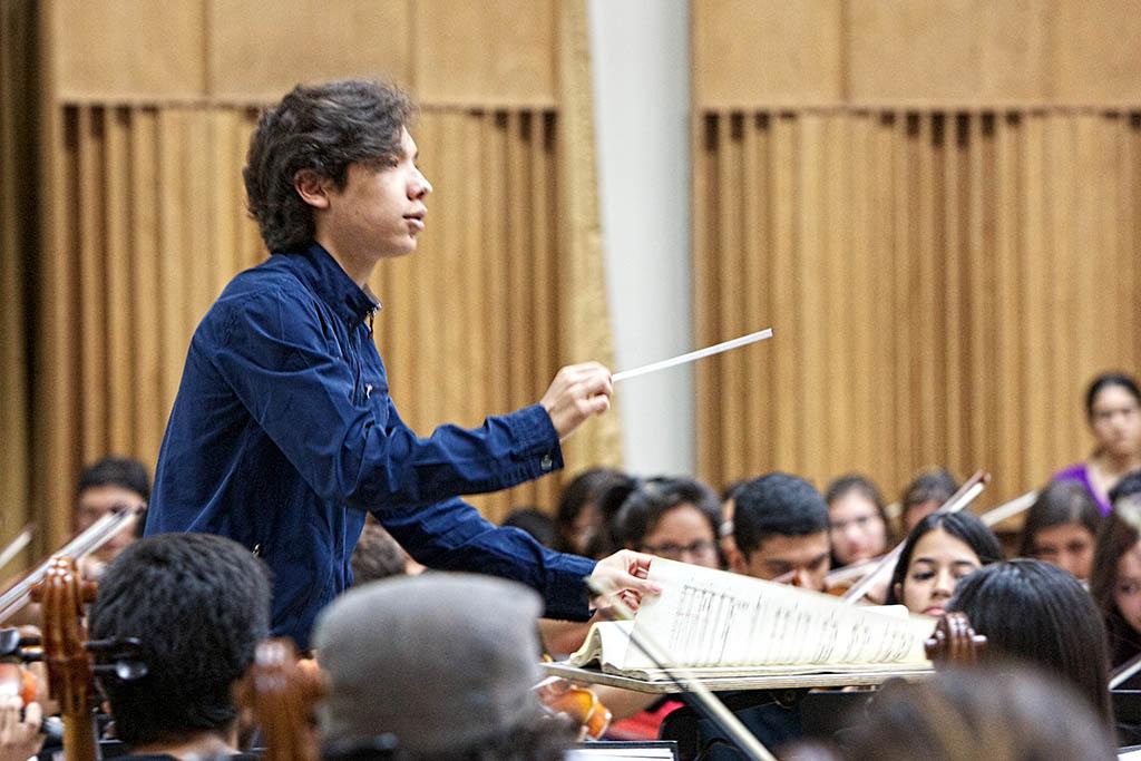 Enluis Manuel Montes invitado al podio de la Orquesta Sinfónica de Lara