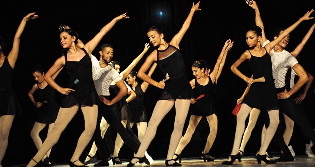 Con 100 Bailarines en escena culminó Vacacional Ballet de la Mar