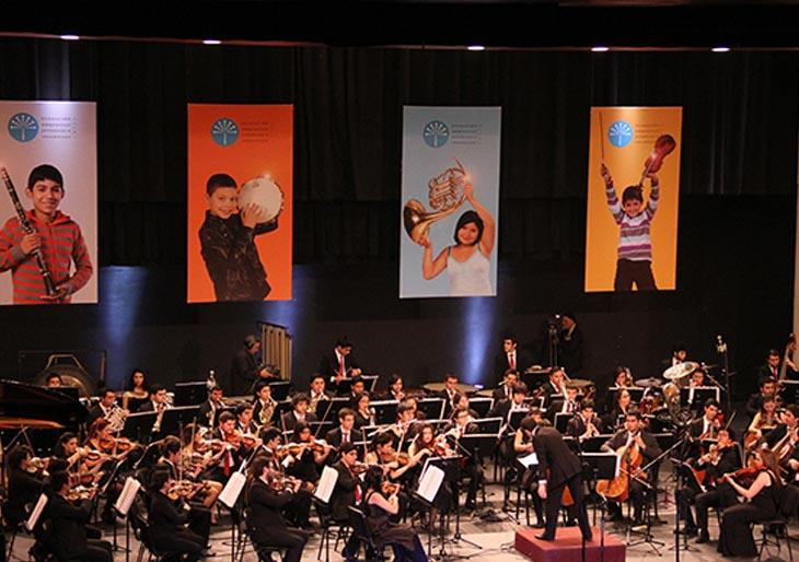 Joshua Dos Santos deslumbró a teatro lleno en Chile