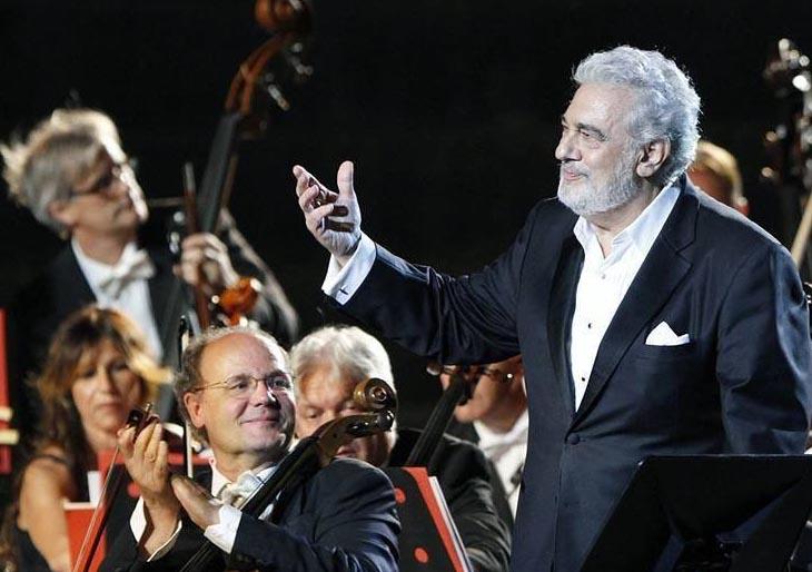 Plácido Domingo suspende tres actuaciones en Salzburgo debido a la fiebre
