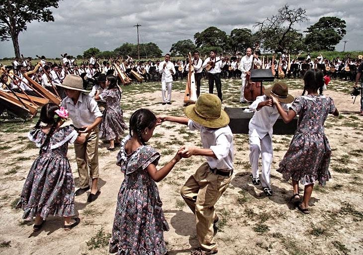 360 músicos guariqueños celebraron el centenario del Alma Llanera