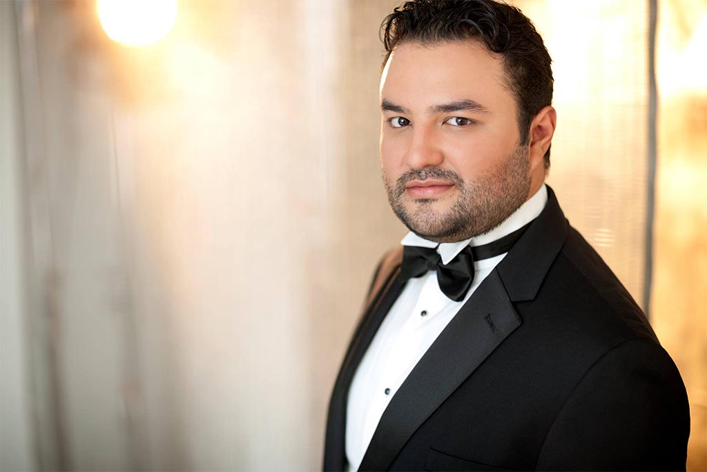 Tenor Mario Chang canta Verdi para ganar Operalia 2014