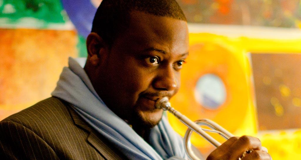 Consejo para mejorar la técnica de la lengua con la trompeta (por Sean Jones)
