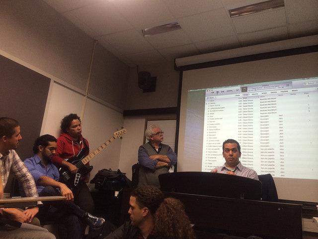 Cesar Orozco en su clínica sobre arreglos y composición de temas venezolanos junto con el profesor Bernardo Hernandez, Rodner Padilla, Manuel Rangel y Francisco Vielma.