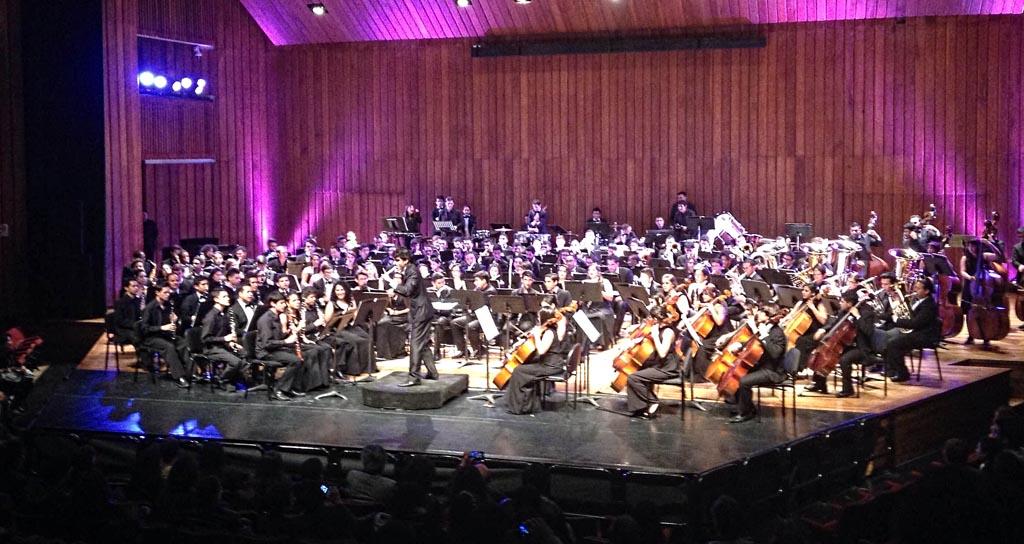 La Banda Sinfónica Juvenil Simón Bolívar es ovacionada en Bogotá