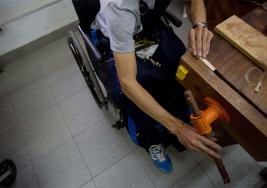 Manos detrás de la música: la lutería como esperanza para personas con discapacidad