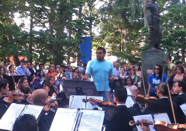 """La Sinfónica de Ayacucho continúa su proyecto """"Dirígenos"""""""