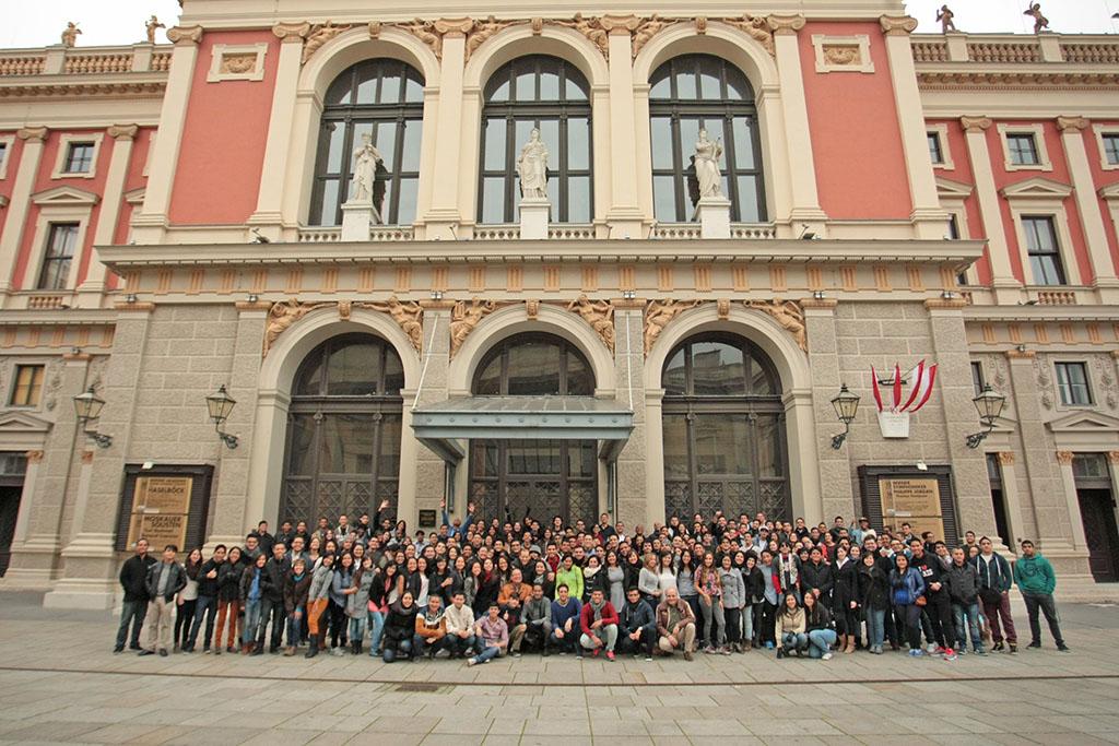 Sinfónica Juvenil de Caracas, Viena Austria  MUSIKVEREIN FUNDAMUSICAL BOLIVAR