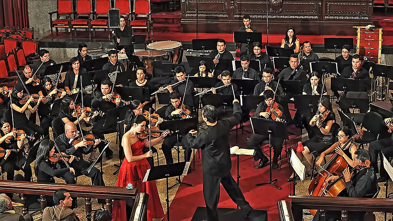 El argentino Claudio Tripputi conduce a la Sinfónica del Estado Mérida en la ULA