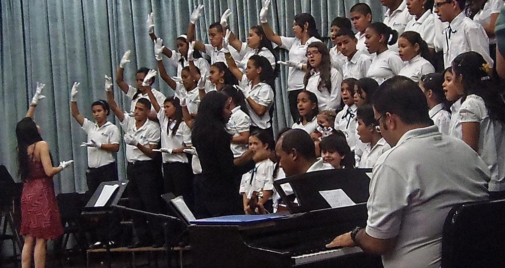 Orquesta Sinfónica de Falcón ofrece conciertos navideños Nesyerling Valera