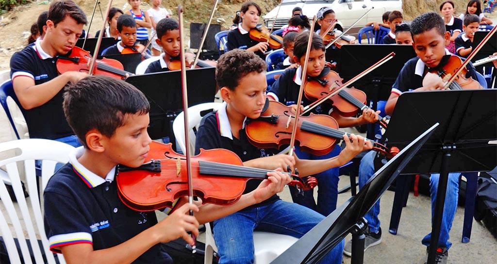 Macro-concierto Navideño 2014, Puerto Cabello