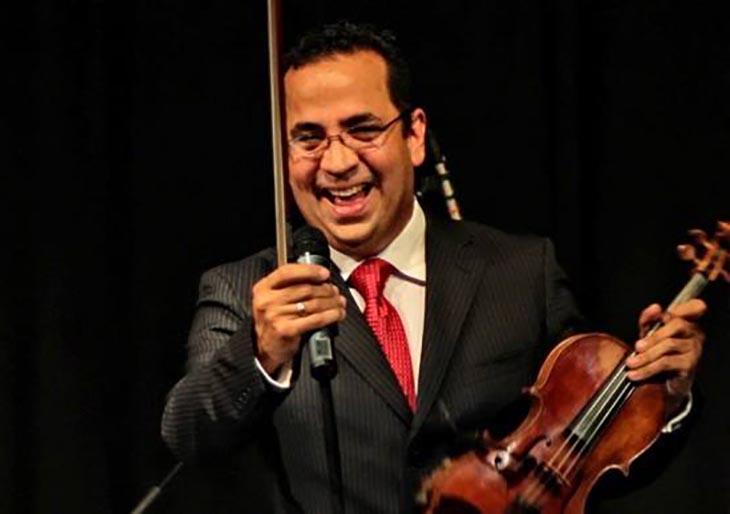El público argentino ovaciona a Eddy Marcano tras la interpretación del concierto Arcano