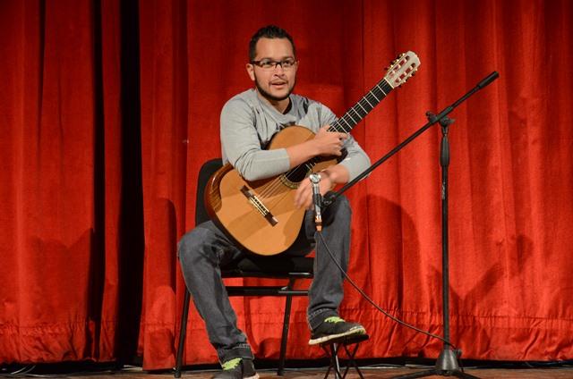 Daniel Petrocelli de Maturín ganó el 1er Premio del 3er Concurso Nacional de Guitarra Alirio Díaz