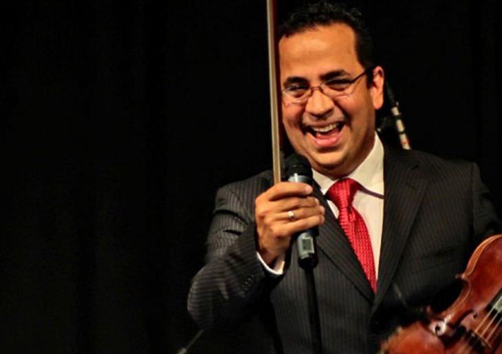 Eddy Marcano interpreta el concierto Arcano