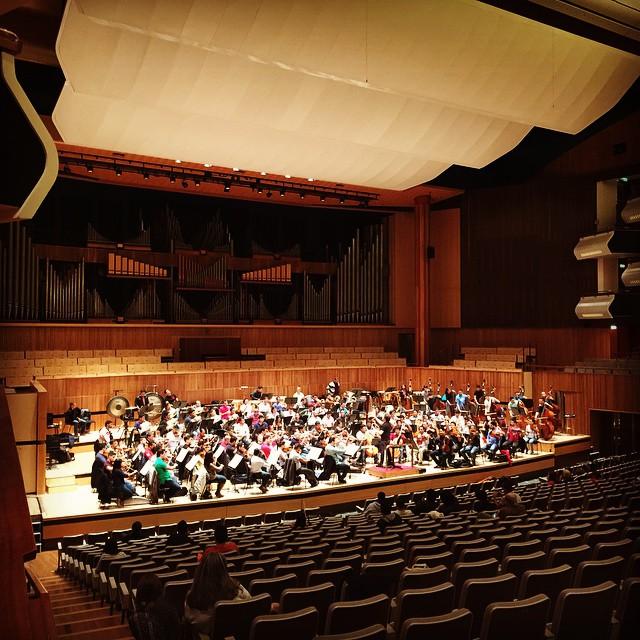 La Orquesta Sinfónica Simón Bolívar de Venezuela ha arribado en #Londres para la gira europea. Primer ensayo en el Royal festival Hall, Southbank Centre.