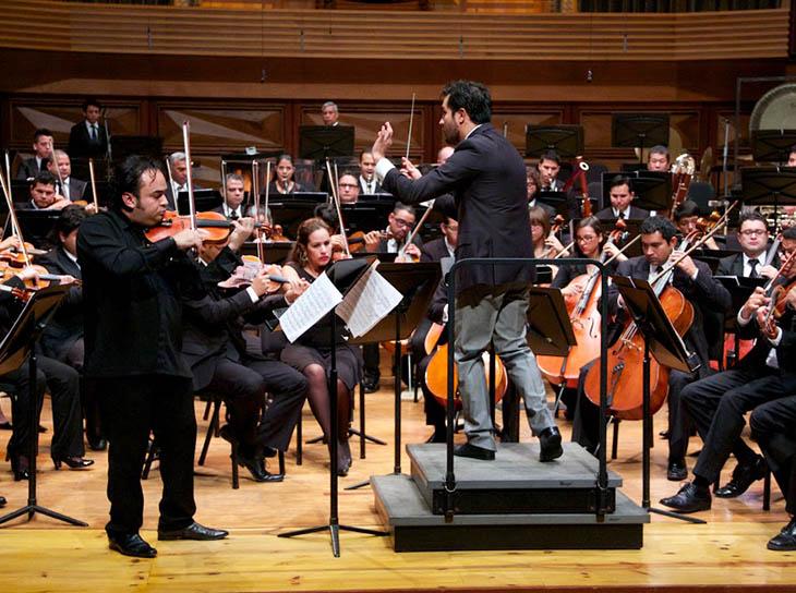 Alexis Cárdenas tocó bajo la batuta de Diego Matheuz y acompañado por la Sinfónica Simón Bolívar