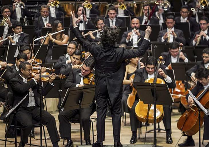 Sinfónica Simón Bolívar finaliza en París su exitosa gira europea