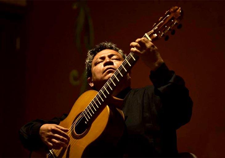 Las guitarras resuenan en el X Festival Solistas del Mundo 2015