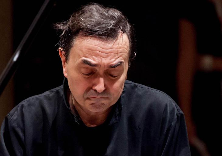 """Pierre-Laurent Aimard recrea el """"microcosmos Bach"""" con su bien templado piano"""