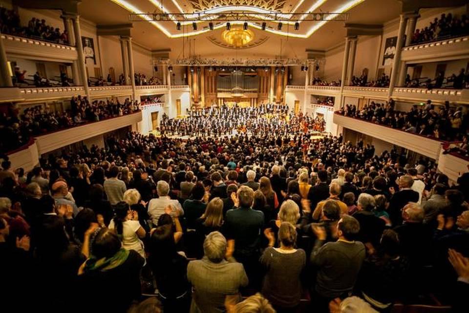 Dudamel y la Simón Bolívar pisan firme en Bruselas y debuta con Beethoven
