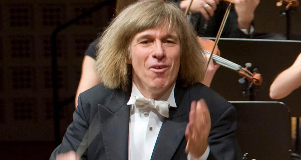 Fallece director de orquesta Israel Yinon tras darle un ataque al corazón mientras dirigía