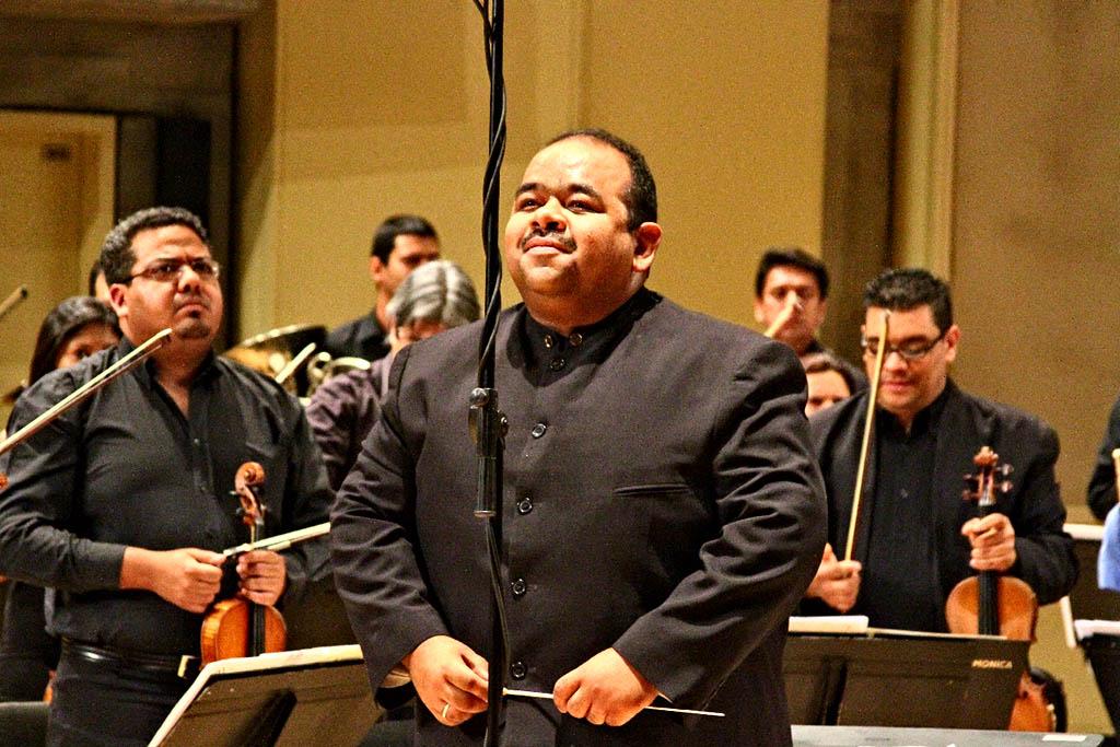 Director invitado Pablo Morales