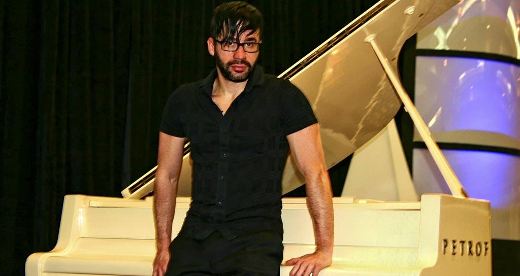 Andrés Carciente revisita la música de Bach con su piano