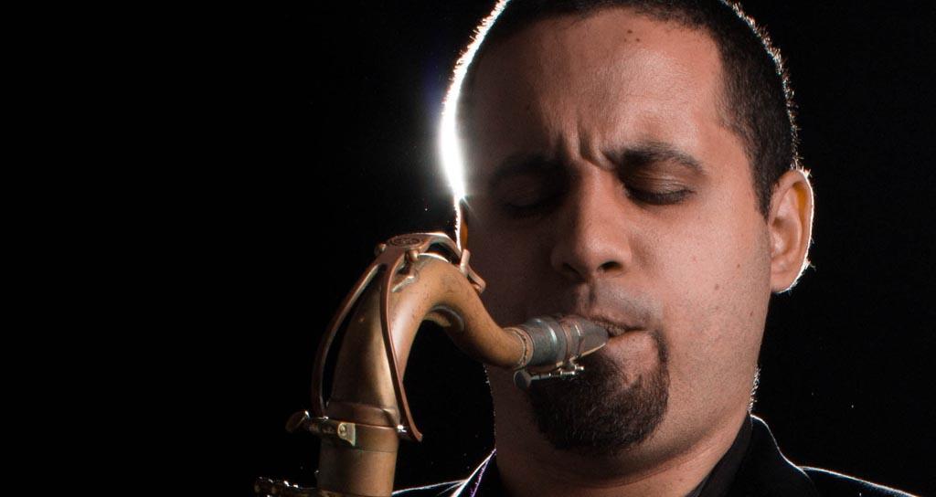 """Con la producción """"Suma y no Resta"""" José Oliveira en los Latin Grammys"""
