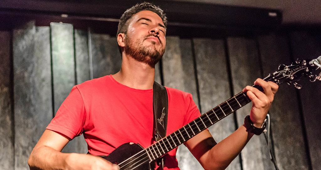 Edward Ramírez, maestro de la melodía del alma